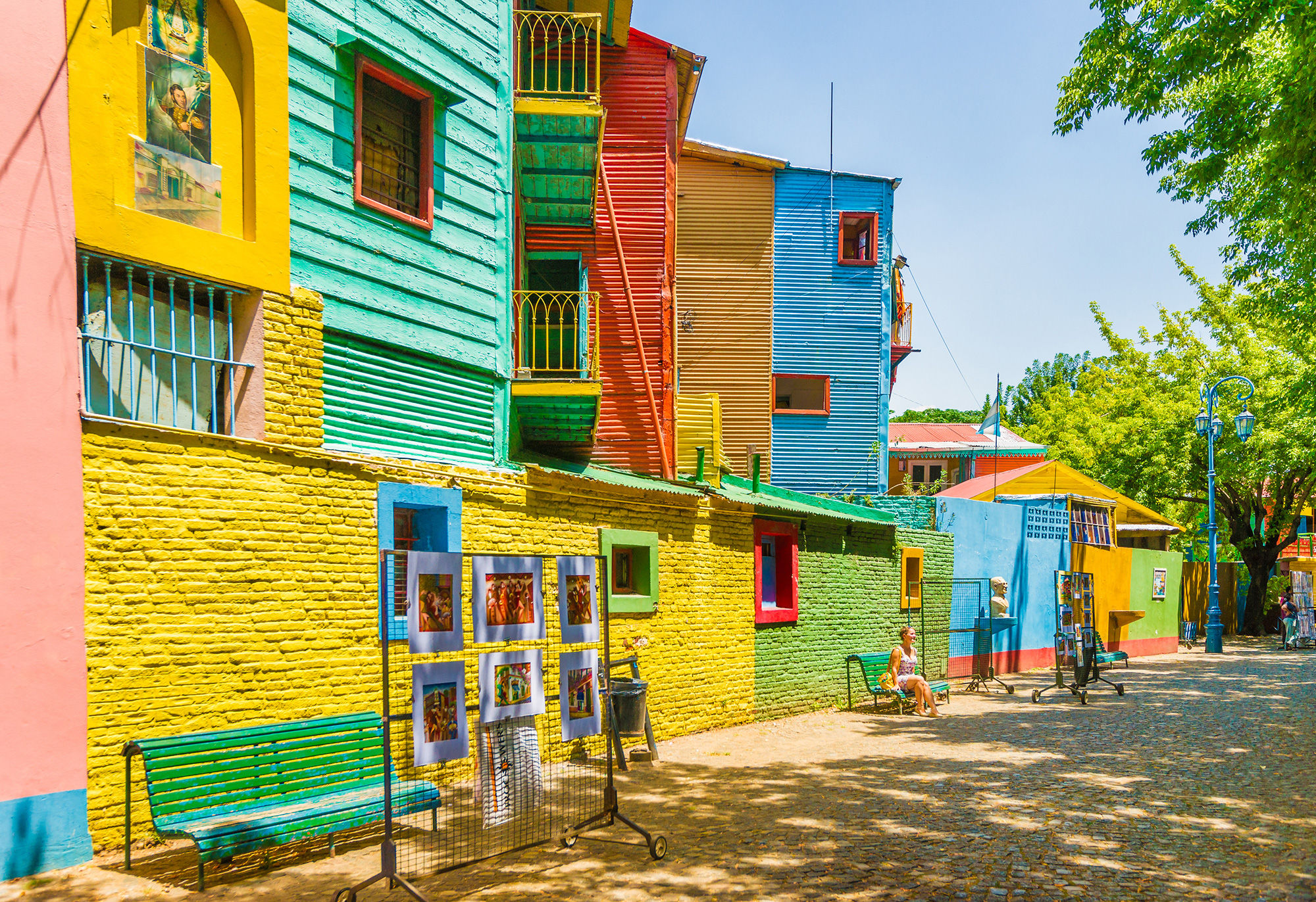 Argentina welcomes tourists with a discount/