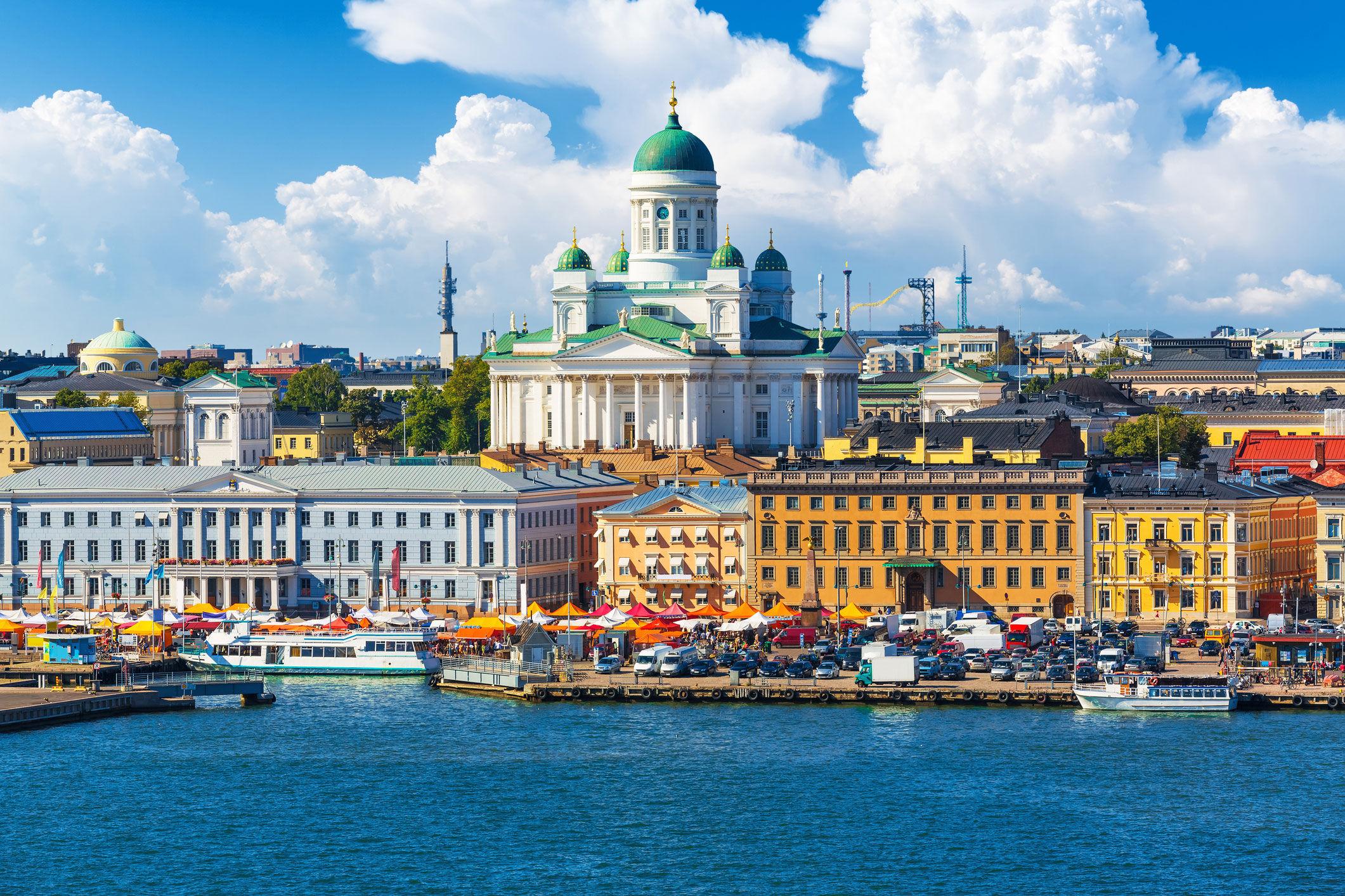 Helsinki, scanrail | istockphoto.com/