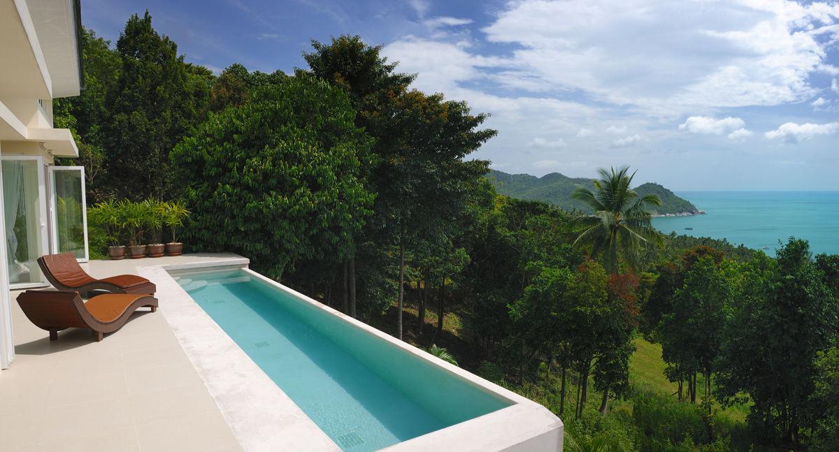 Luxusní venkovní bazén vily. Skvělý pohled!!!