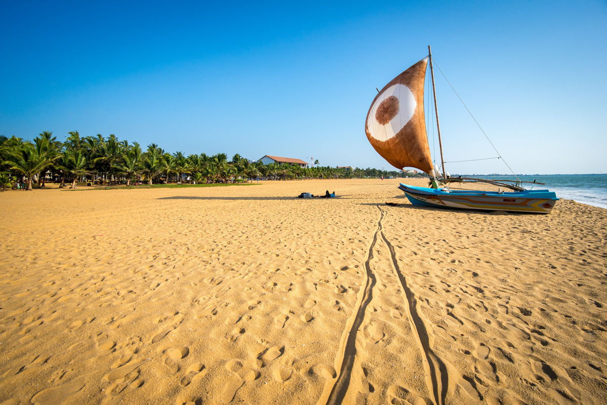 10 reasons to visit Sri Lanka/